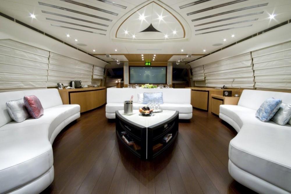 Location bateau Pershing Pershing 115 à Cannes sur Samboat