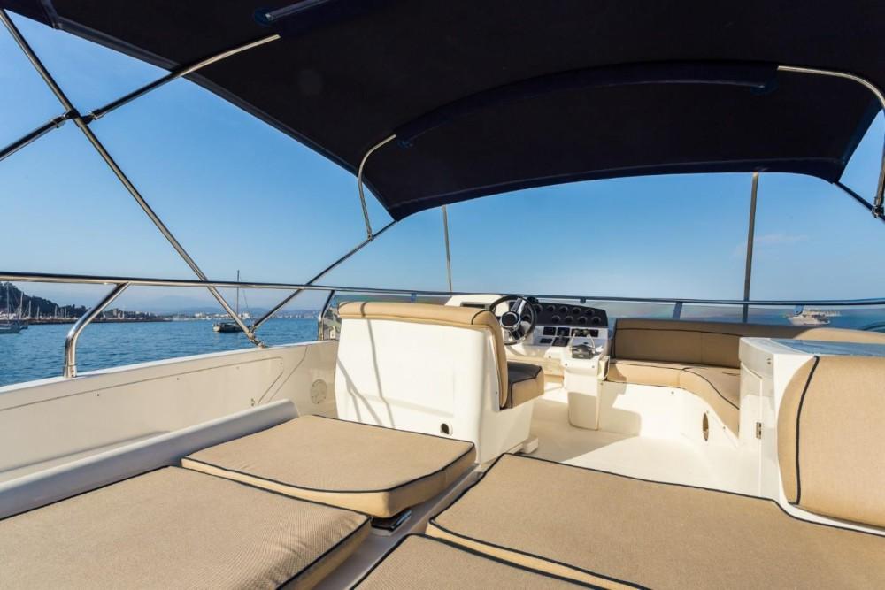 Location Yacht à Antibes - Sealine F425