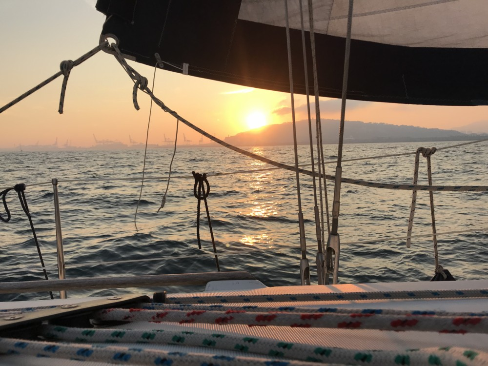 Location bateau Jeanneau Sun Odyssey 40 à Port Olímpic sur Samboat