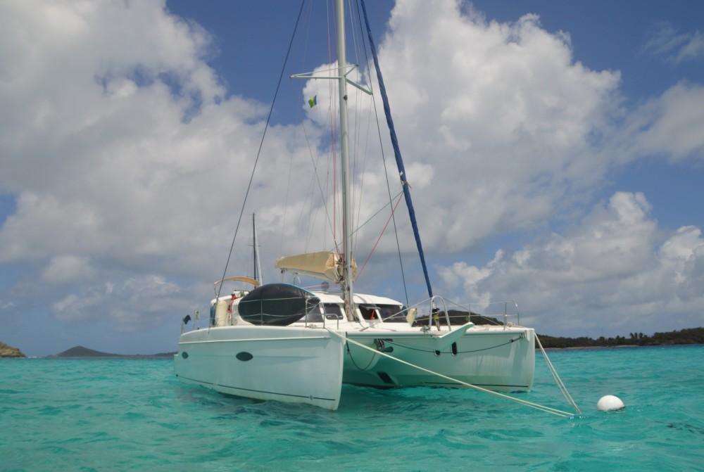 Louer Catamaran avec ou sans skipper Fountaine Pajot à Sainte-Anne