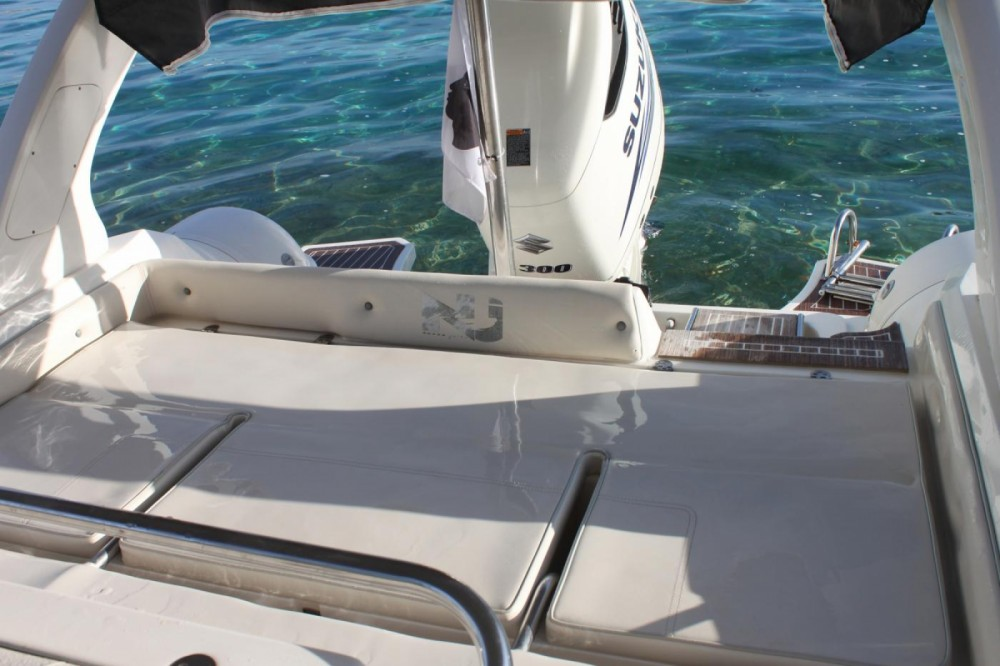 Location bateau Pietrosella pas cher NJ 850