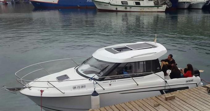 Bateau à moteur à louer à Oran Port au meilleur prix