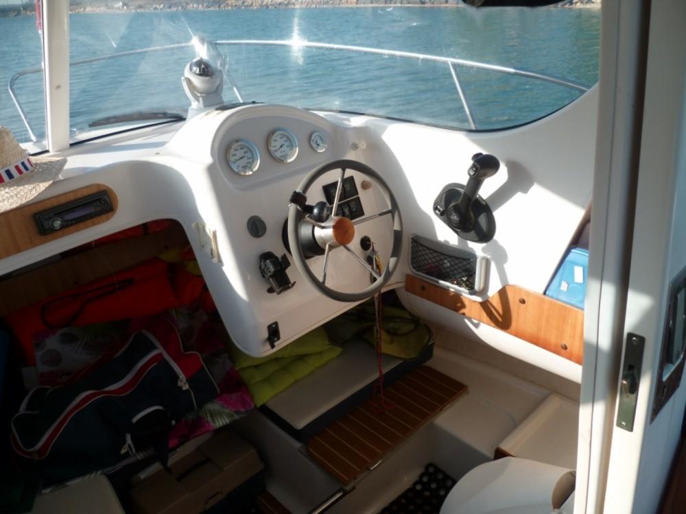 Boat rental Quicksilver Quicksilver 580 Pilothouse in Marseillan on Samboat