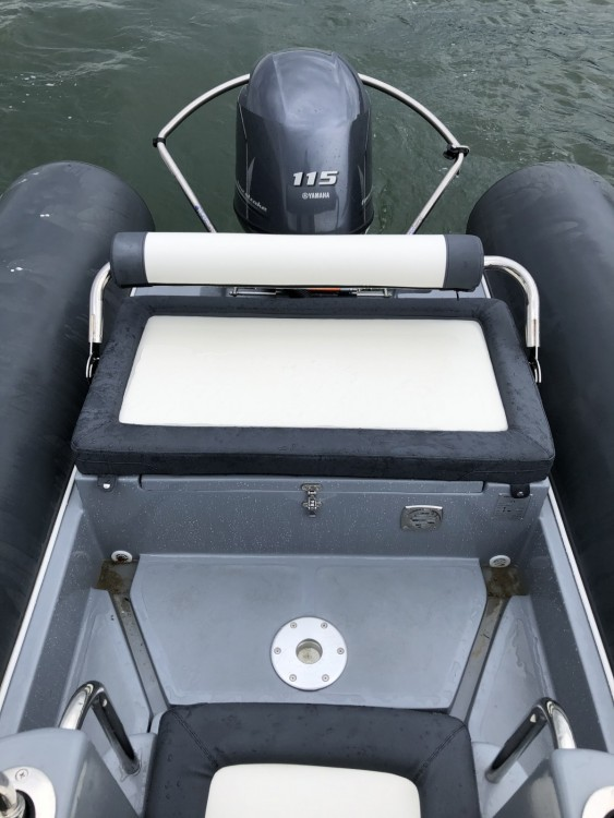 Louer Semi-rigide avec ou sans skipper 3D Tender à Lège-Cap-Ferret