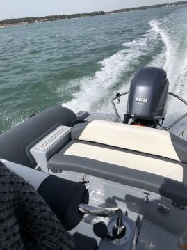 Louer Semi-rigide avec ou sans skipper 3D Tender à Le Canon