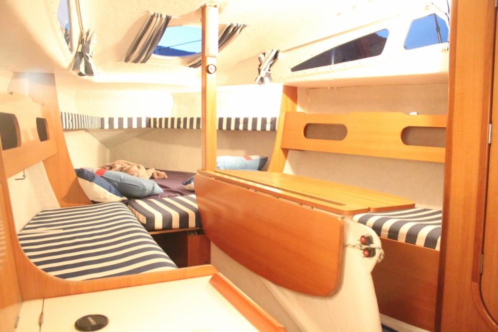 Boat rental Rousset cheap Djinn 7