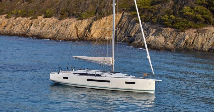 Louez un Jeanneau Sun Odyssey 490 à Volos