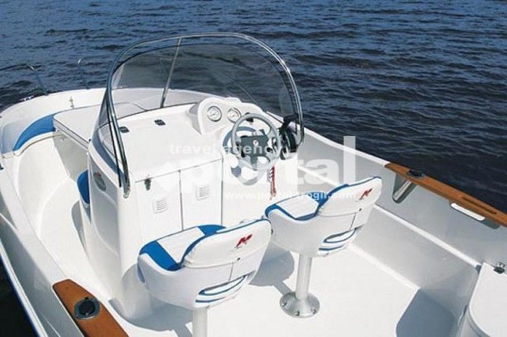 Huur Motorboot met of zonder schipper Quicksilver in Poreč