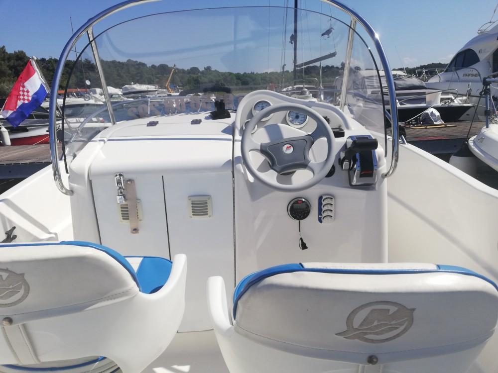 Noleggio Barca a motore Quicksilver con un permesso di