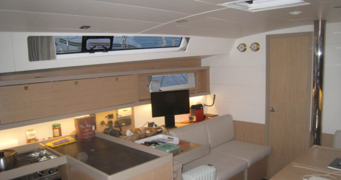 Hire Sailboat with or without skipper Bénéteau Pianotolli-Caldarello