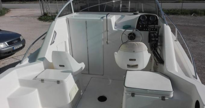 Bateau à moteur à louer à Zakynthos au meilleur prix