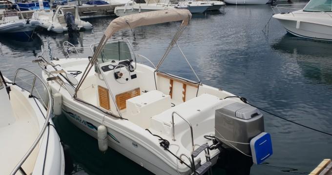 Louer Bateau à moteur avec ou sans skipper Capelli à Cavalaire-sur-Mer