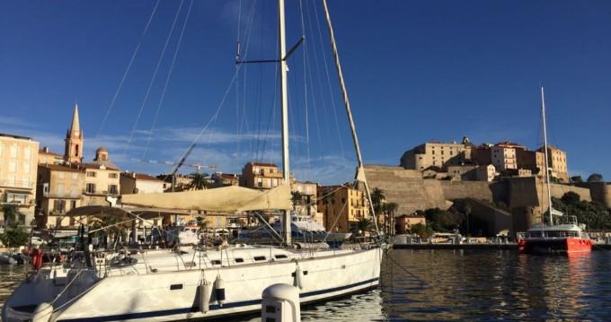Location bateau Bénéteau Oceanis 523 à Pianottoli-Caldarello sur Samboat