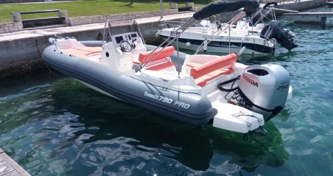 Marlin Boat MARLIN 790 PRO GRAY ORANGE between personal and professional Vrsar