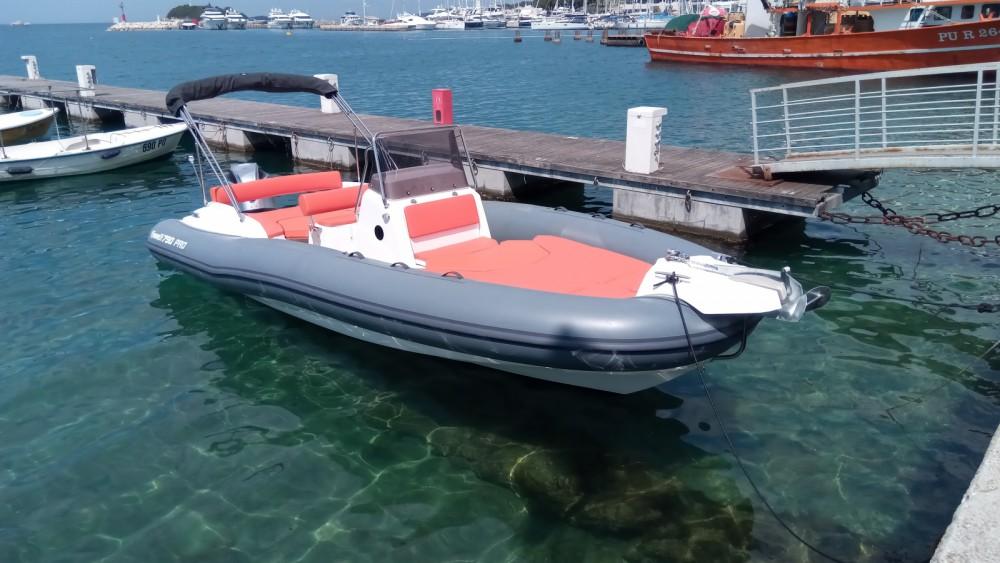 Marlin Boat MARLIN 790 PRO GRAY ORANGE zwischen Privatpersonen und professionellem Anbieter Vrsar