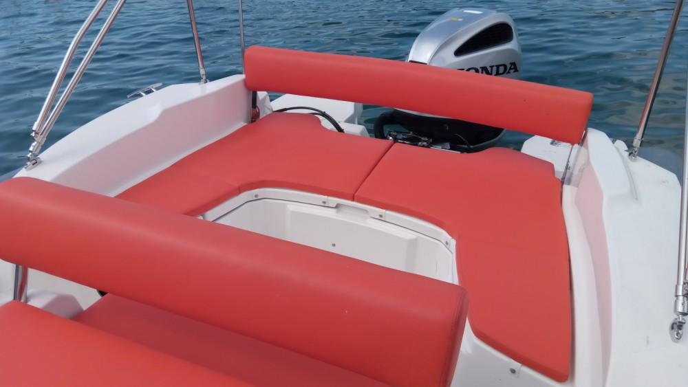 Bootsverleih Marlin Boat MARLIN 790 PRO GRAY ORANGE Vrsar Samboat
