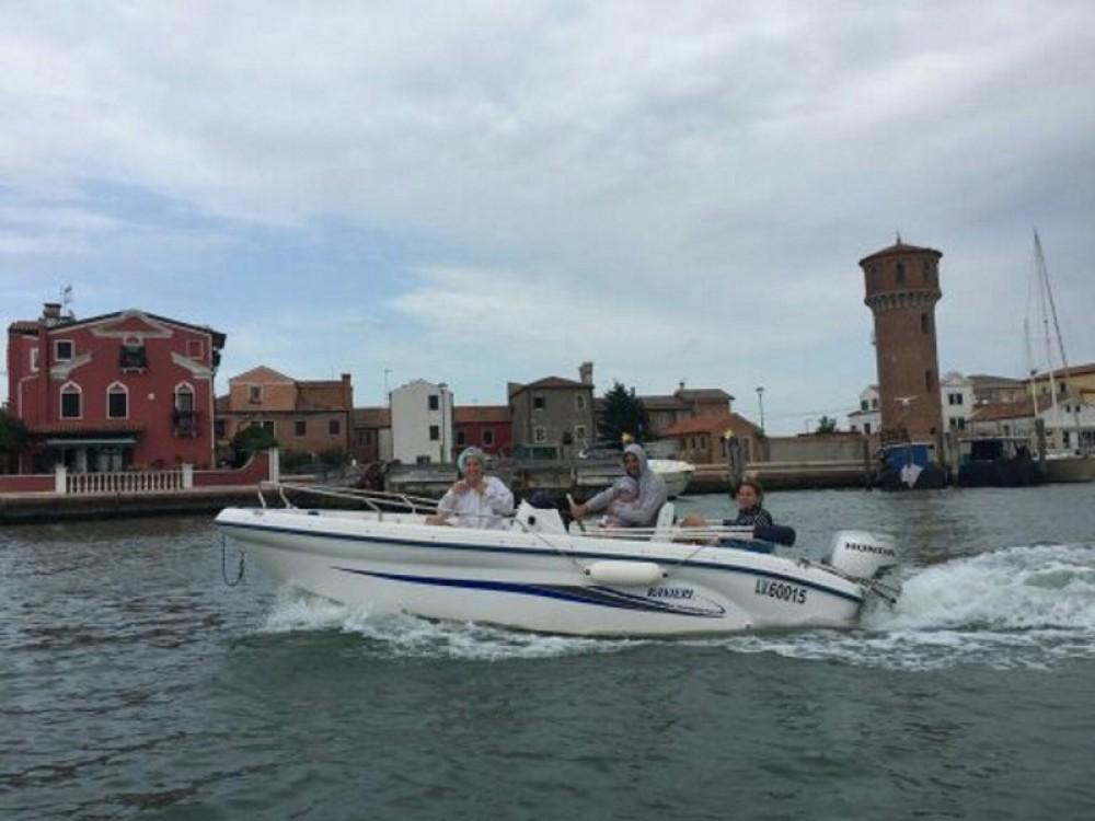 Location bateau Venise pas cher Soverato 545