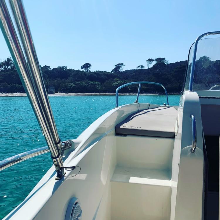 Louer Bateau à moteur avec ou sans skipper Quicksilver à Cannes