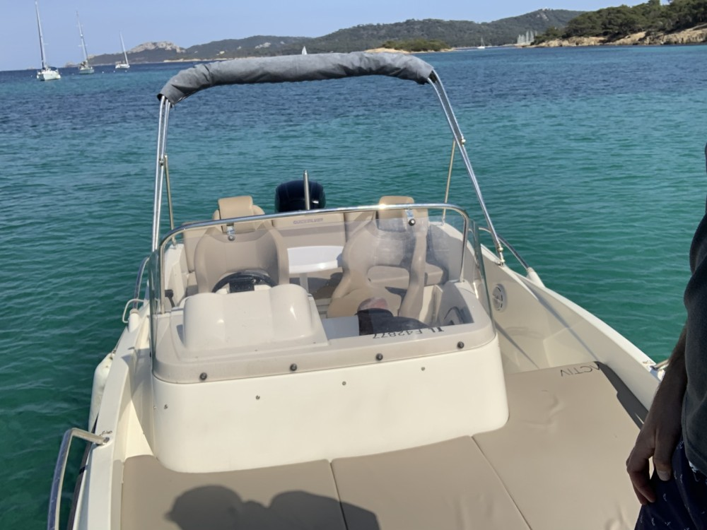 Location bateau Cannes pas cher Activ 605 Sundeck