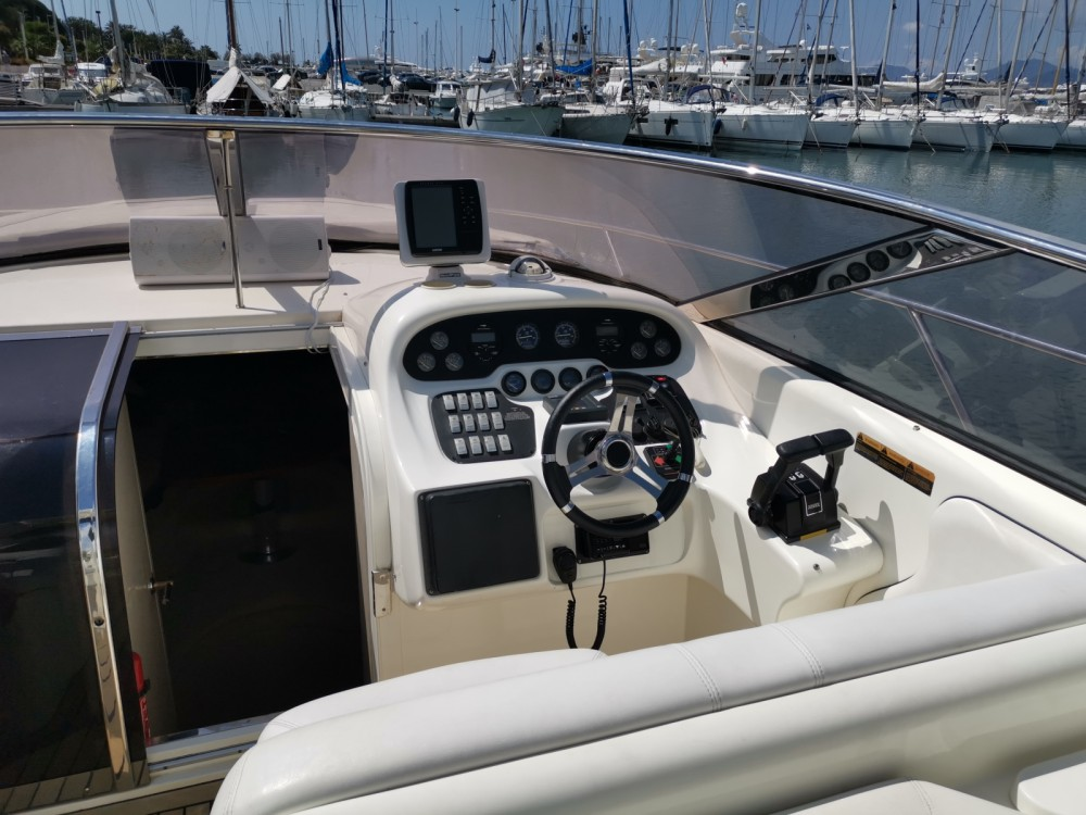 Hire Motor boat with or without skipper Sunseeker Cannes