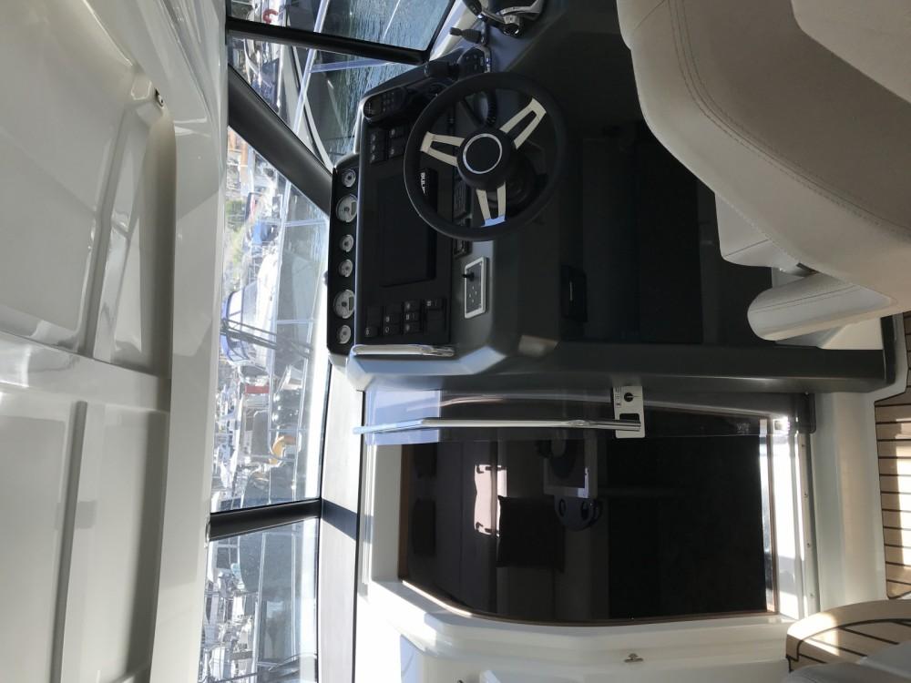 Louer Bateau à moteur avec ou sans skipper Jeanneau à Golfe-Juan