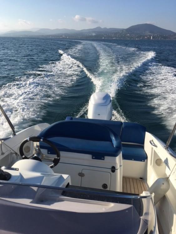 Boat rental Clear Aquarius in Saint-Tropez on Samboat