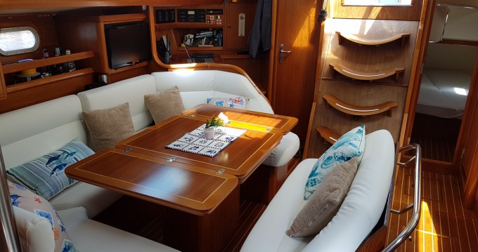Sailboat for rent Monte Argentario at the best price