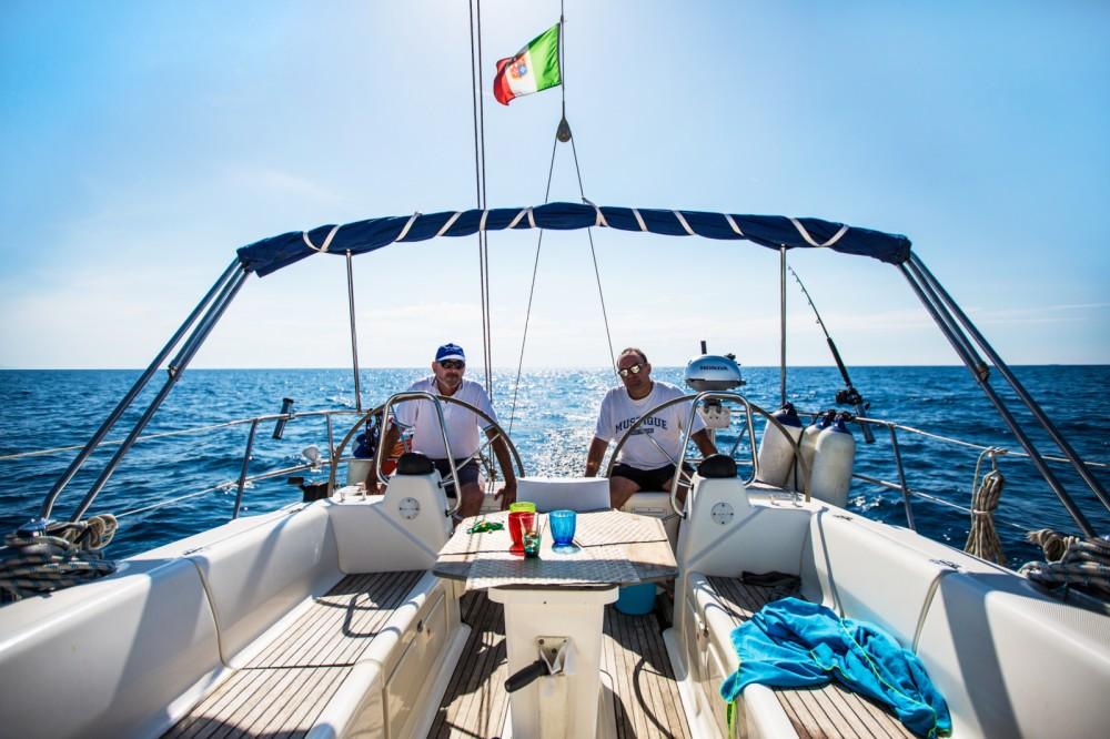Barca a vela a noleggio San Vincenzo al miglior prezzo