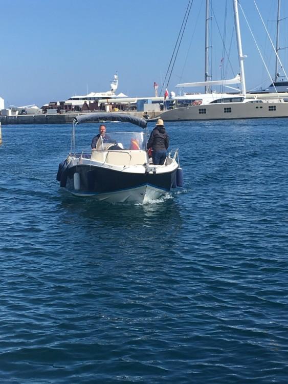 Location bateau La Ciotat pas cher Activ 675 MERCURY  200cv