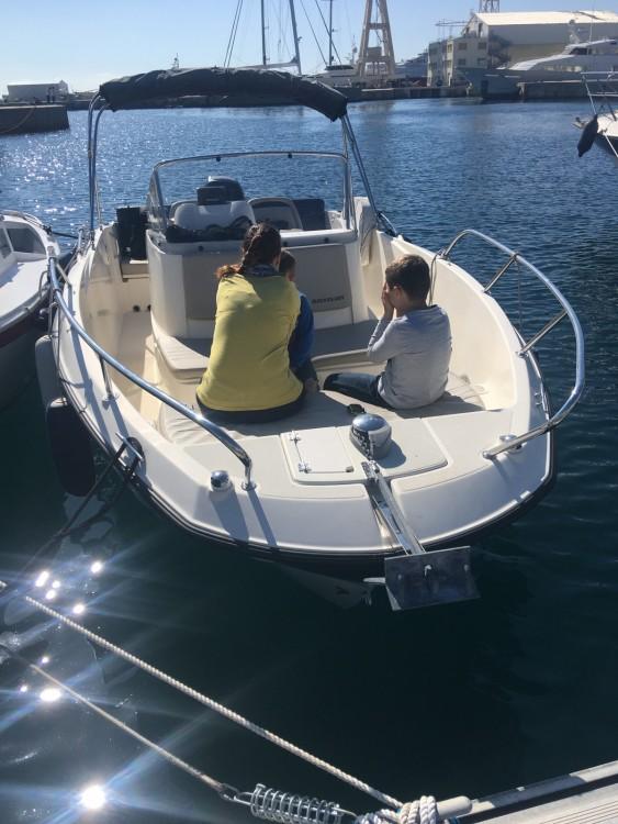 Location bateau Quicksilver Activ 675 MERCURY  200cv à La Ciotat sur Samboat
