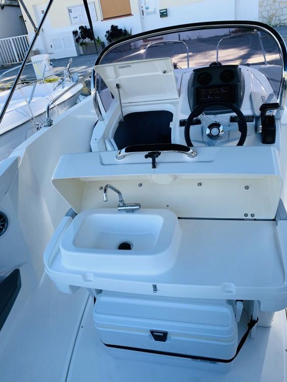 Location bateau Karnic 2251 à Èze sur Samboat