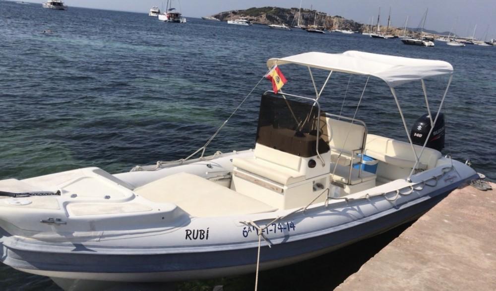 Gommonautica G65y entre particuliers et professionnel à Ibiza
