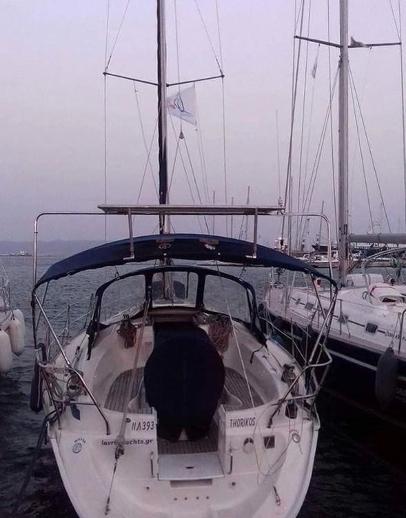 Rental Sailboat in Athens - Bavaria 32