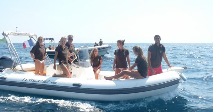 Location bateau Sainte-Maxime pas cher Tempest 650