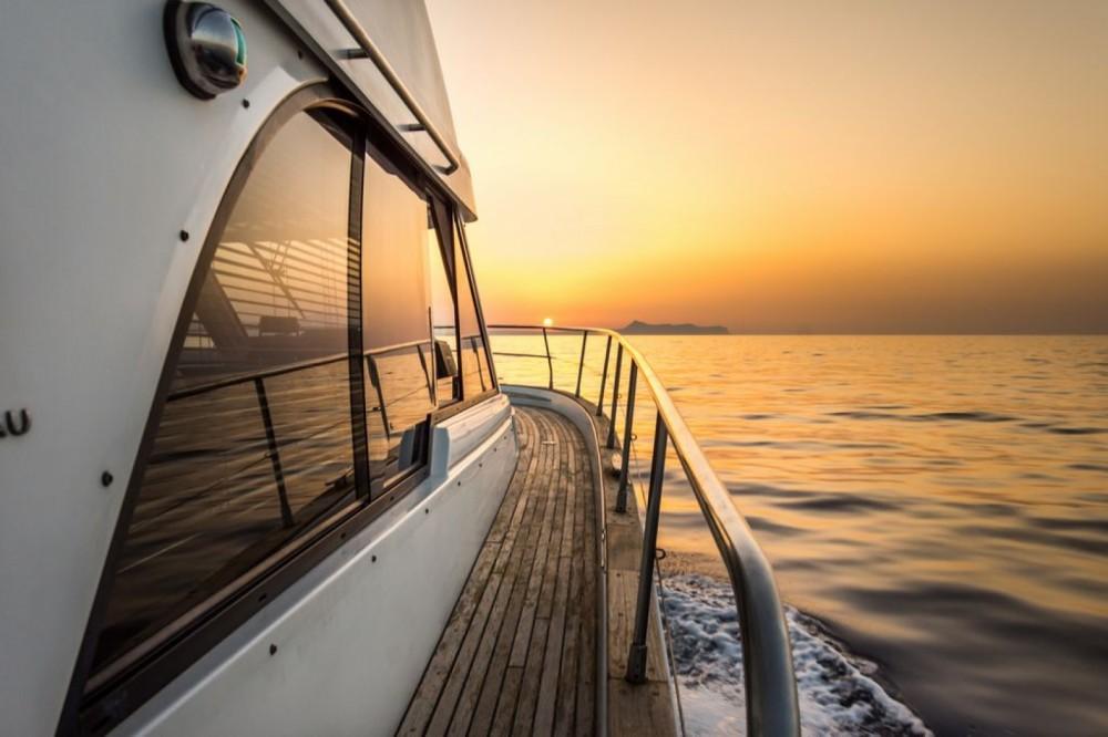 Huur Motorboot met of zonder schipper Bénéteau in Rethimnon