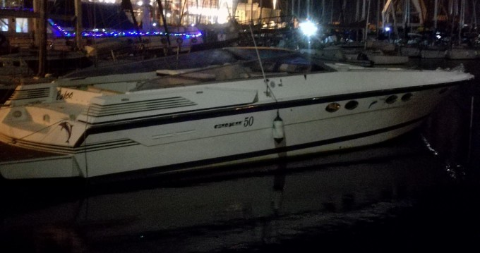 Profilmarine Cherokee 50 zwischen Privatpersonen und professionellem Anbieter Fiumicino