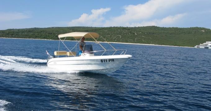 Louez un Sessa Marine Key Largo 17 à Ugljan