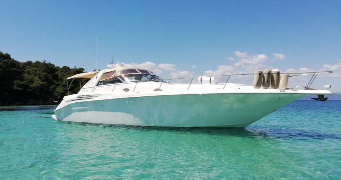 Location bateau Ormos Panagias pas cher Sea Ray 450 Sundancer