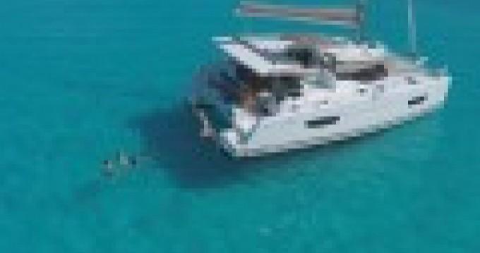 Noleggio Catamararno Fountaine Pajot con un permesso di