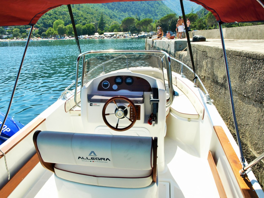 Allegra Boats ALL 590 entre particuliers et professionnel à Opatija