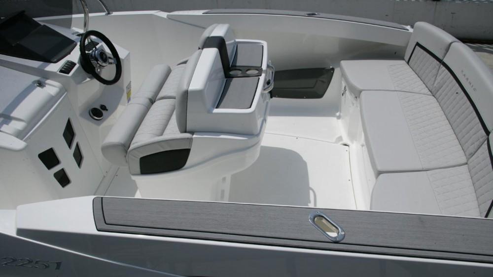 Location bateau Karnic 2251 MKII à Barcelone sur Samboat