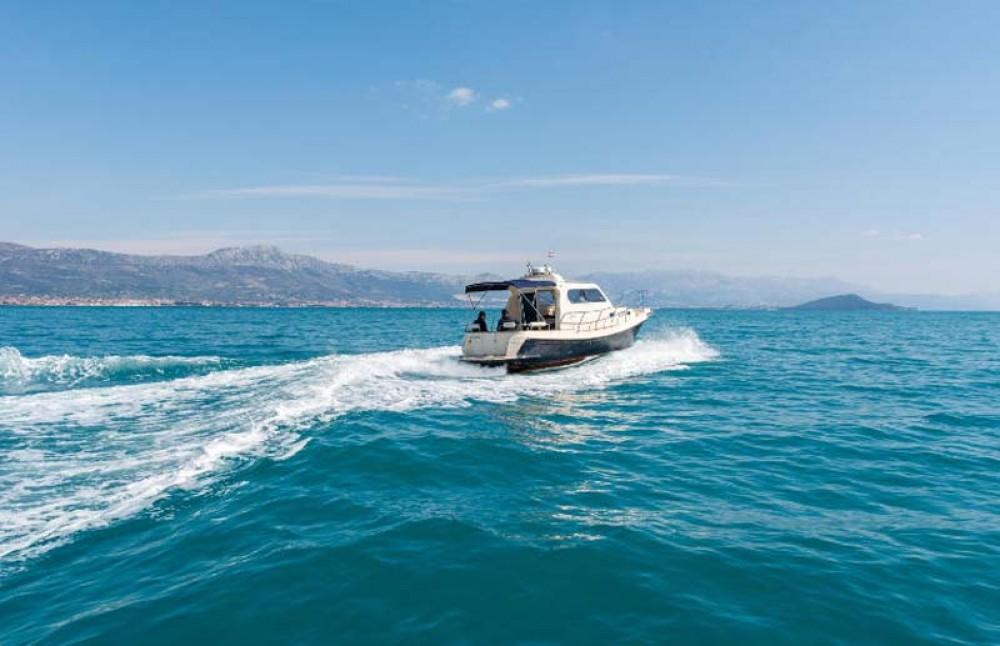 Noleggio Barca a motore Damor con un permesso di