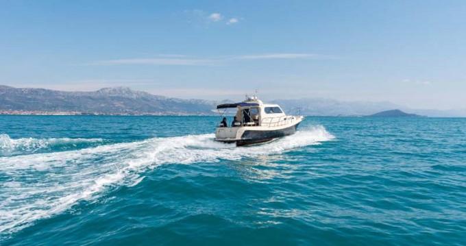 Noleggio barche Traù economico Fjera 980