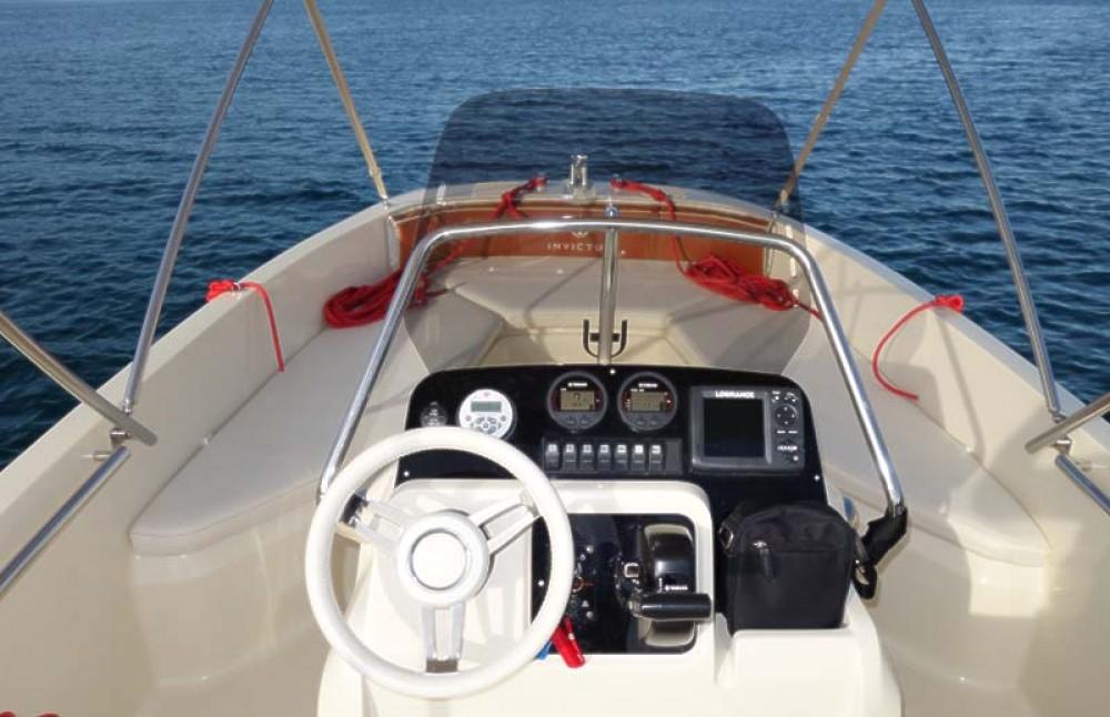 Noleggio barche Traù economico FX 190