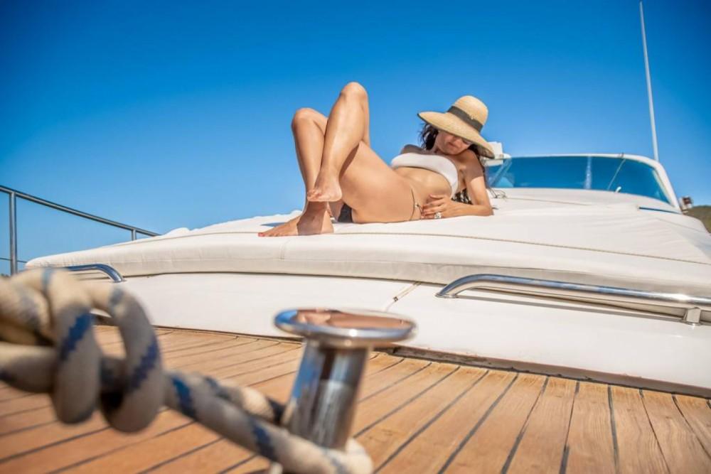 Alquiler Yates Cantieri navali di Chiavari con título de navegación