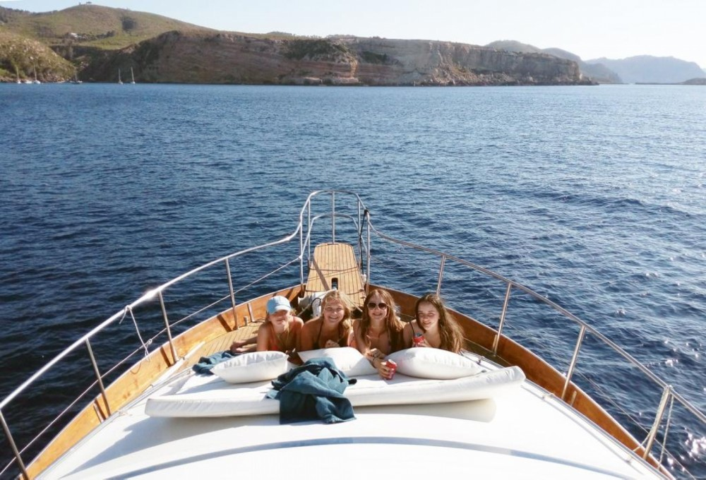 Hire Yacht with or without skipper Cantieri navali di Chiavari Portinatx