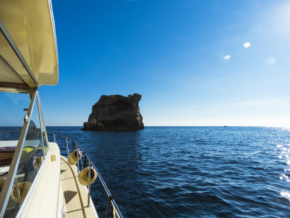 Boat rental Positano cheap Commander 31
