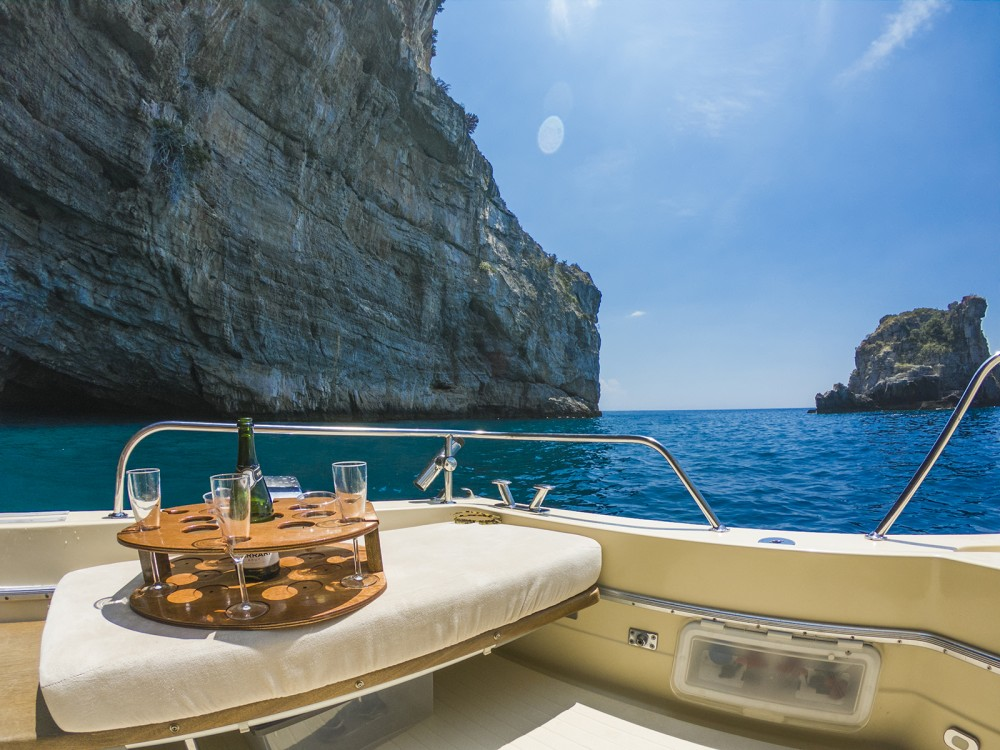 Chris Craft Commander 31 between personal and professional Positano