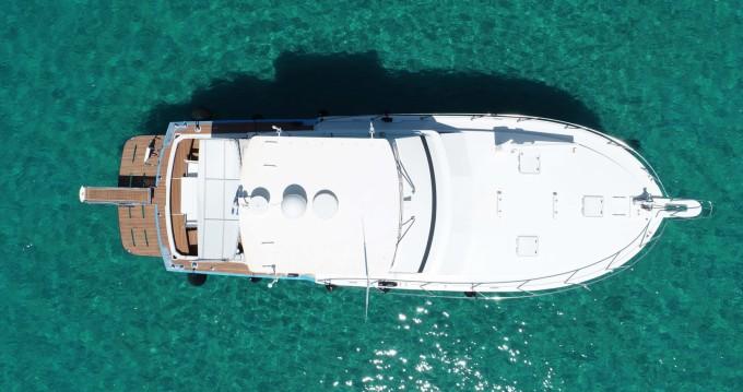 Location yacht à Ormos Panagias - Bertram 46.6 convertible flybridge sur SamBoat
