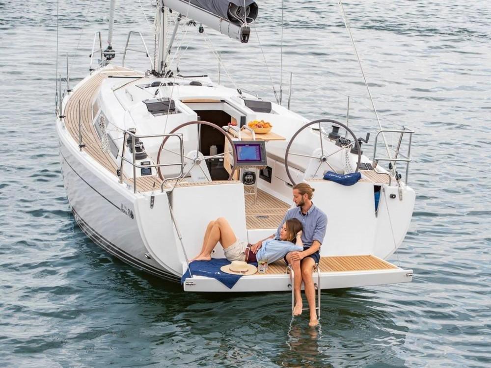 Rental Sailboat in Hyères - Hanse Hanse 348